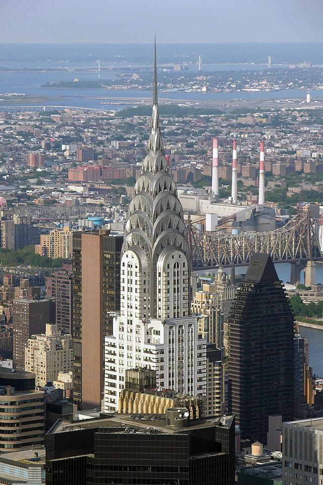 640px-Chrysler_Building_2005_3